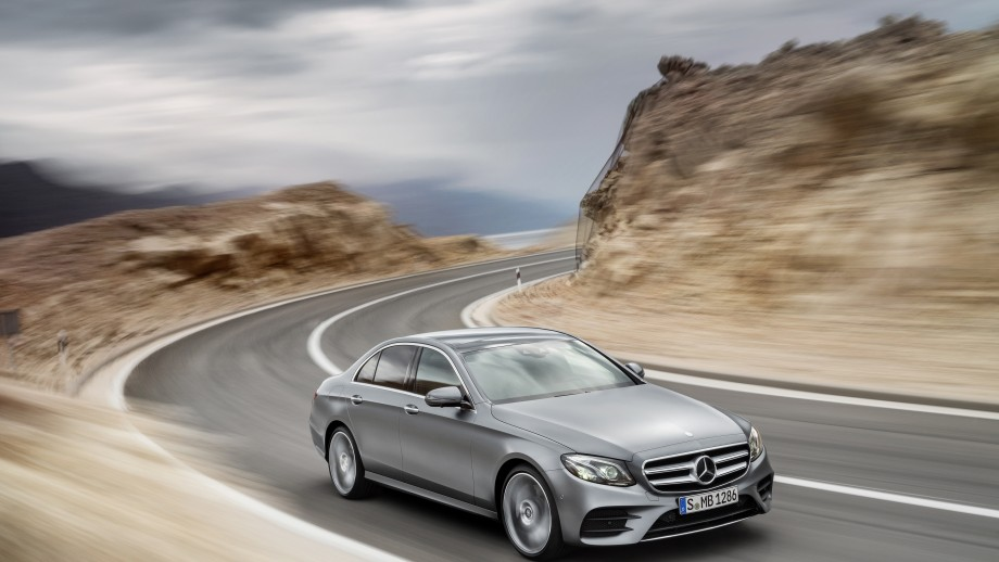 Mercedes-Benz E-Klasse Limousine grau