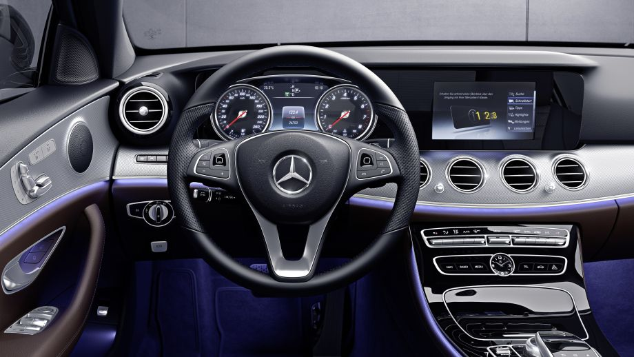 Mercedes-Benz E-Klasse Limousine Interieur