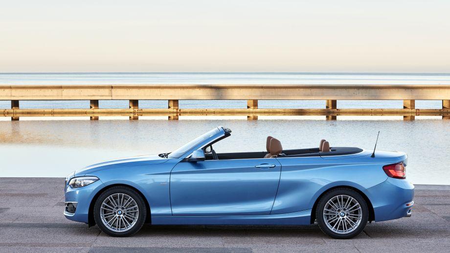 BMW 2er Carbiolet LCI Seitenlinie