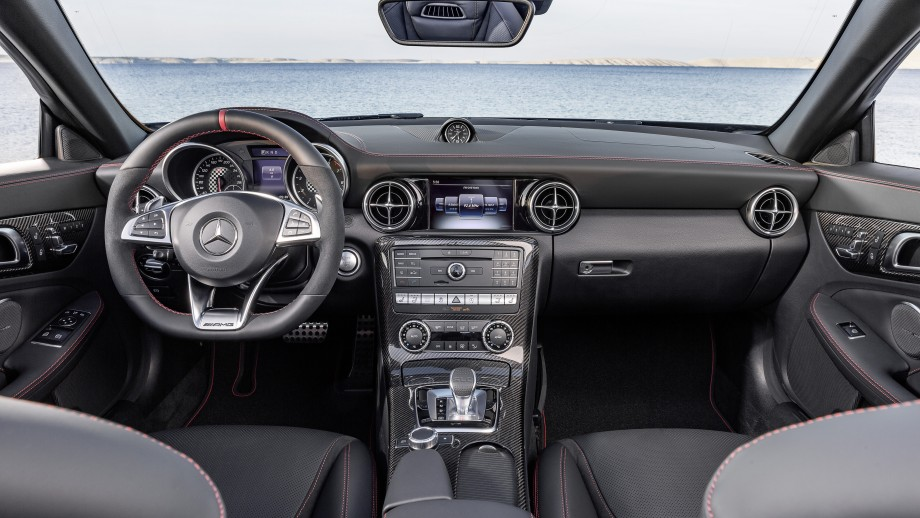 Mercedes-Benz SLC Roadster Cockpit