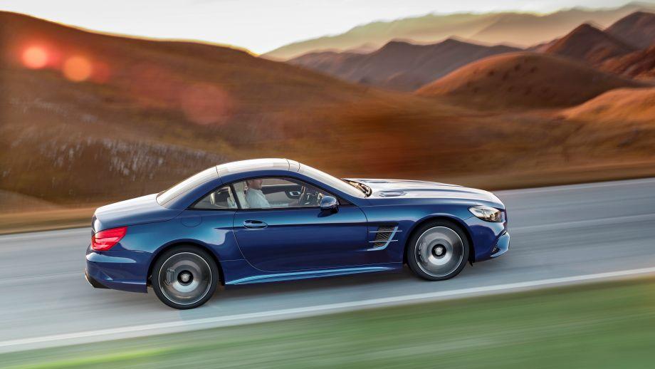 Mercedes-Benz SL 500 Roadster blau geschlossen