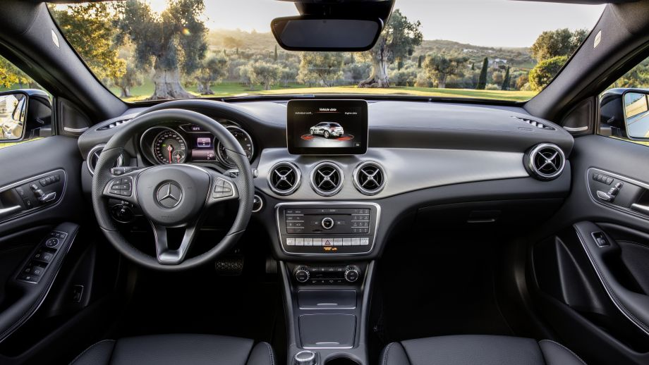 Mercedes-Benz GLA Facelift 2017 Interieur