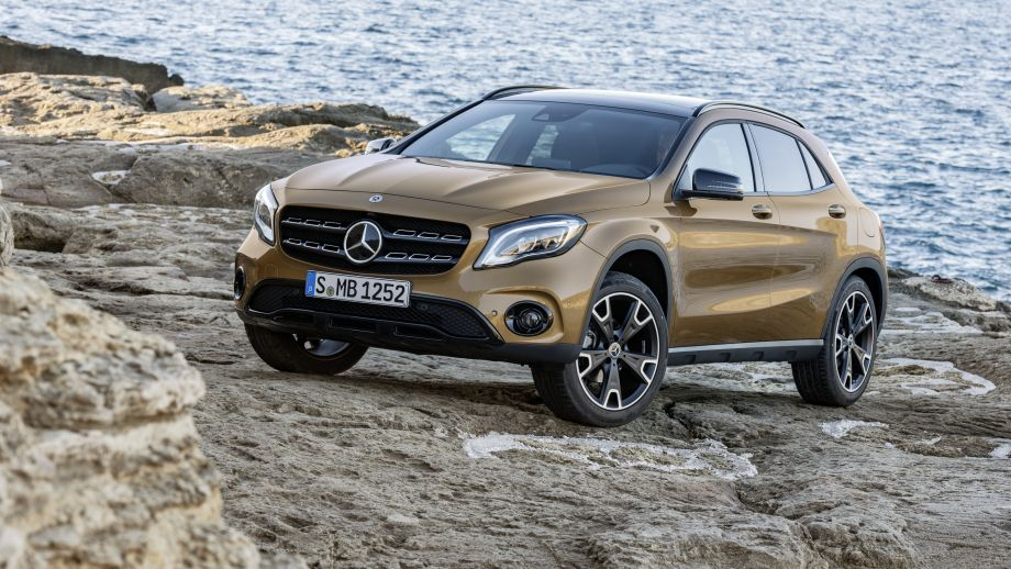 Mercedes-Benz GLA Facelift 2017 Front