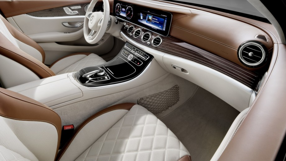 Mercedes-Benz E-Klasse T-Modell Kombi Interieur