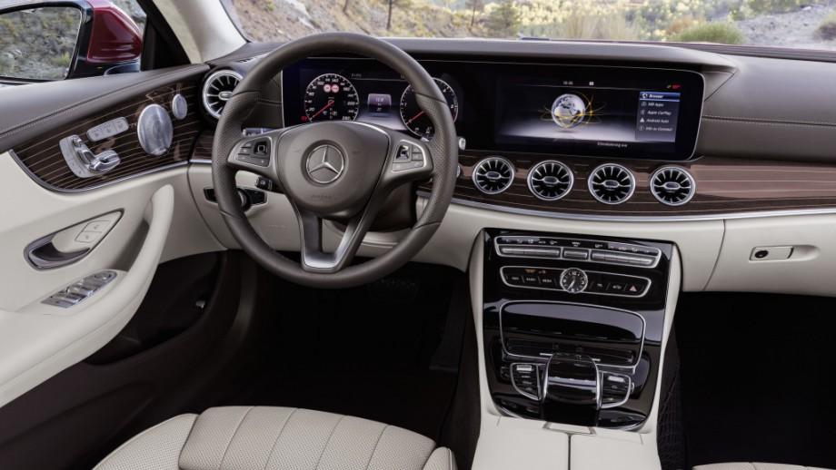 Mercedes-Benz E-Klasse Coupé Interieur
