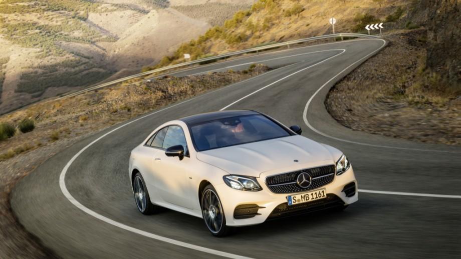 Mercedes-Benz E-Klasse Coupé weiss
