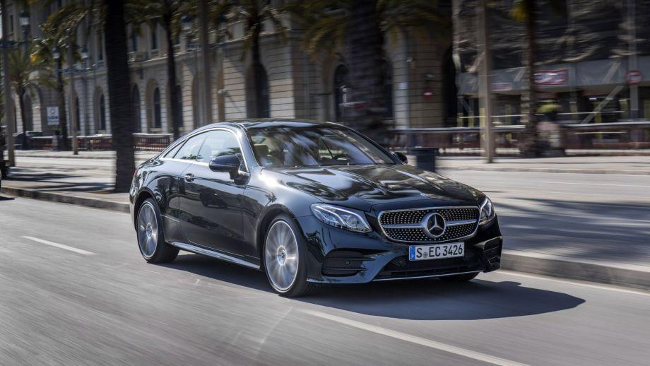 Mercedes-Benz E-Klasse Coupé schwarz