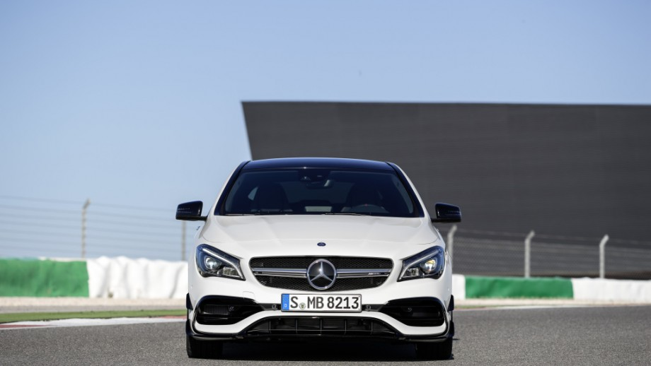 Mercedes-AMG CLA 45 4MATIC Grill