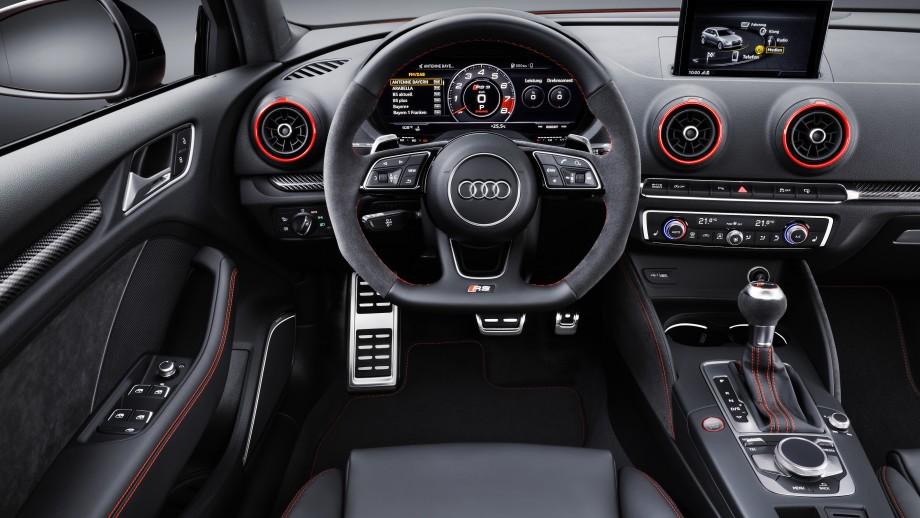 Audi RS3 Limousine Cockpit