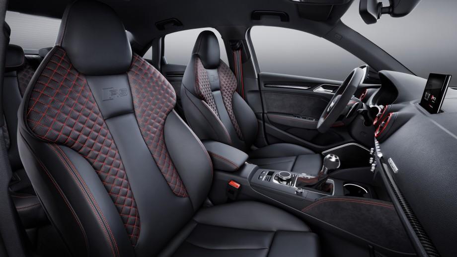 Audi RS3 Limousine Sportsitze