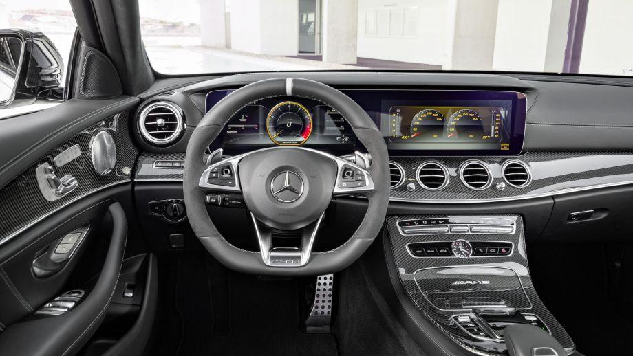 Mercedes-AMG E63 4MATIC+ Kombi Interieur
