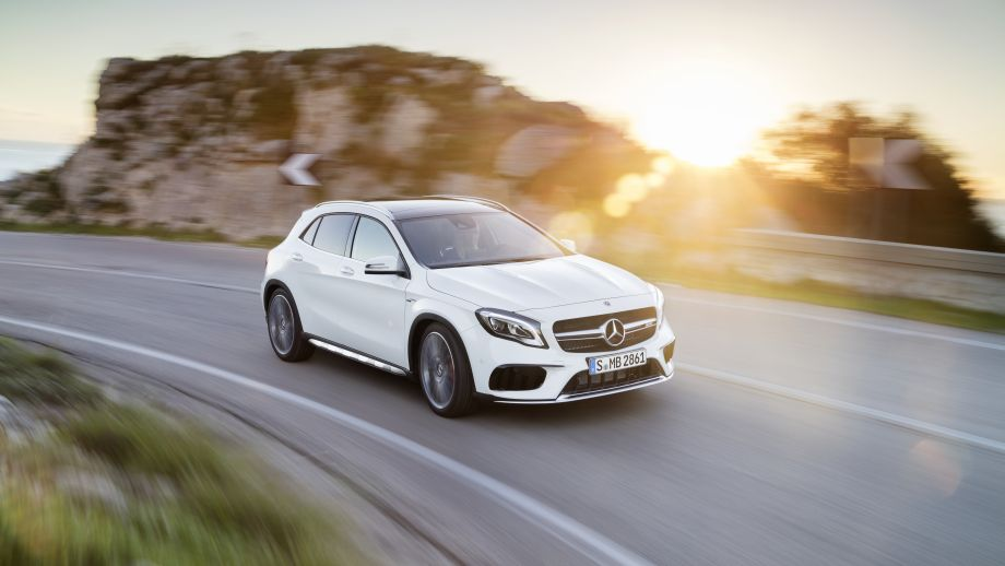 Mercedes-AMG GLA 45 4MATIC SUV weiss