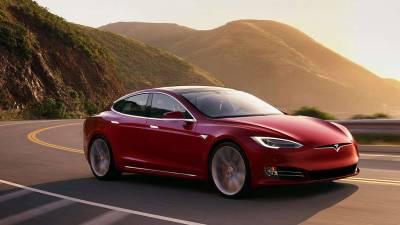 Tesla Model S<br/>Limousine