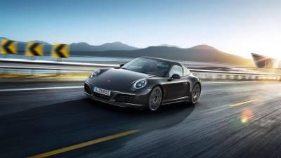 Porsche 911<br/>Targa