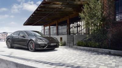 Porsche Panamera<br/>Turbo