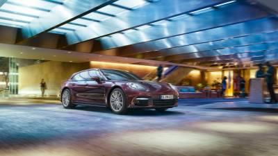 Porsche Panamera<br/>4 Sport Turismo