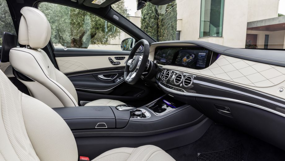 Mercedes-AMG S63 4MATIC Limousine weiss Interieur