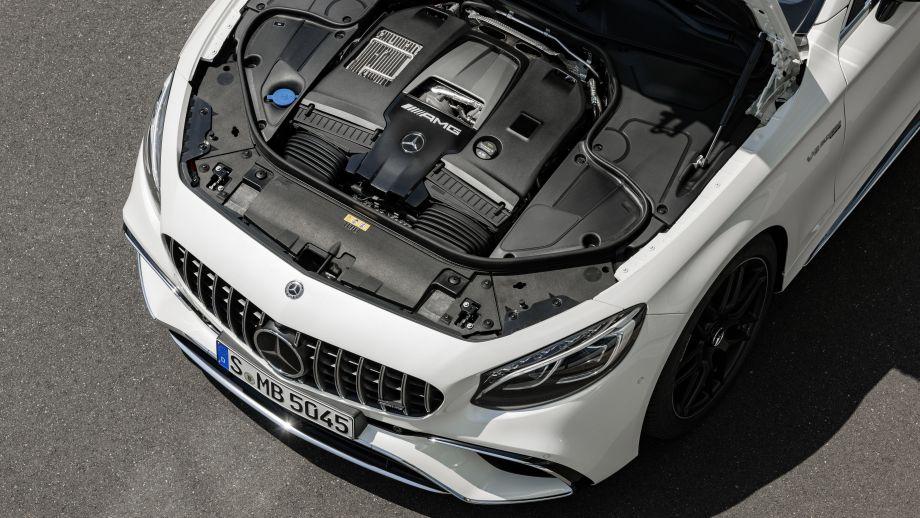 Mercedes-AMG S63 4MATIC Coupé weiss 4.0 Liter Biturbo V8