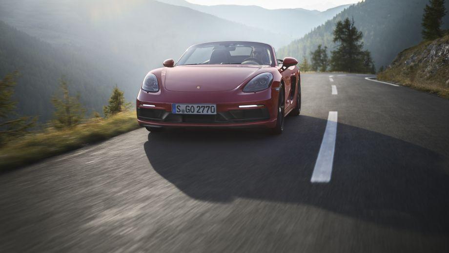 Porsche 718 Boxster GTS frontal fahrend