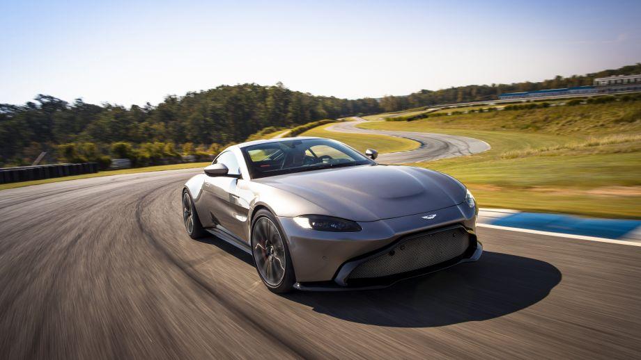 Aston Martin Vantage Front grau