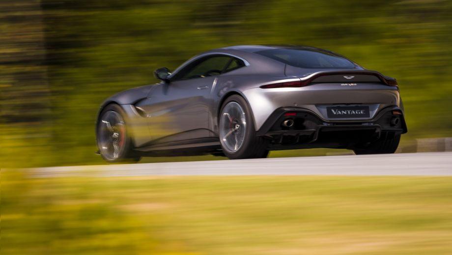 Aston Martin Vantage Heck