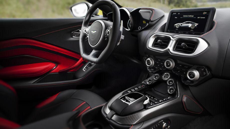 Aston Martin Vantage Armaturen