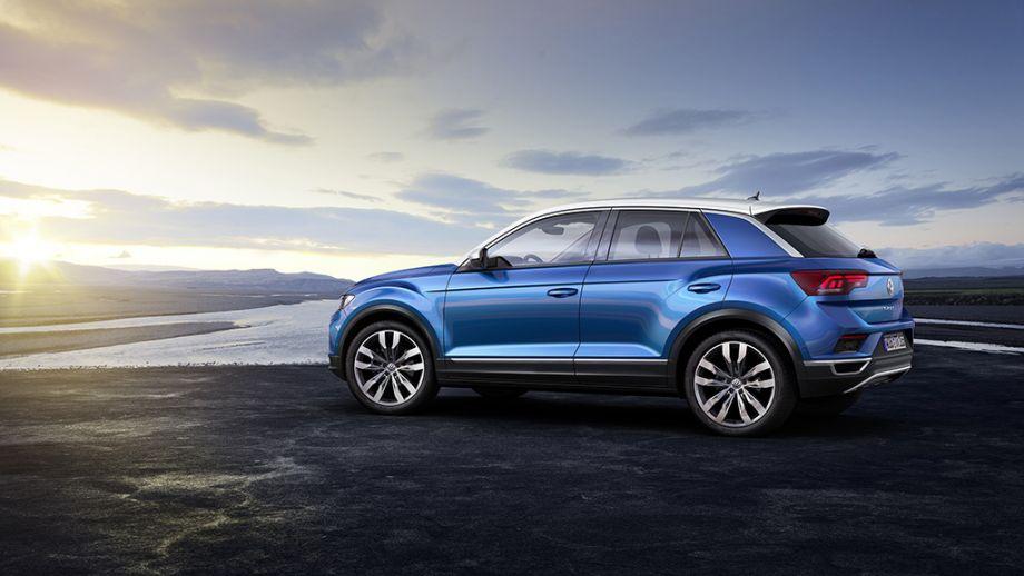 VW T-Roc SUV blau Seite