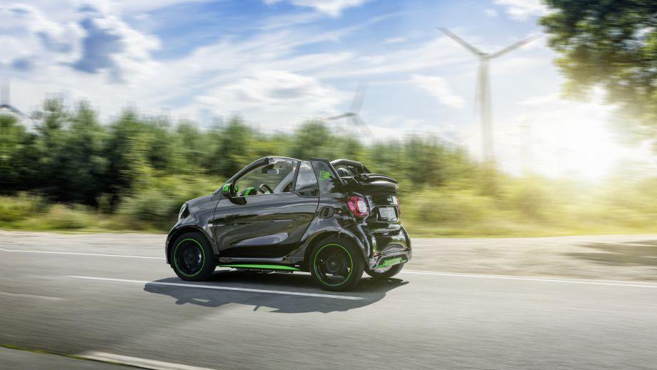 Smart Fortwo Cabrio Electric Drive fahrend seite