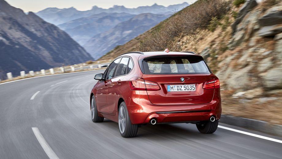 BMW 2er Active Tourer Heck fahrend