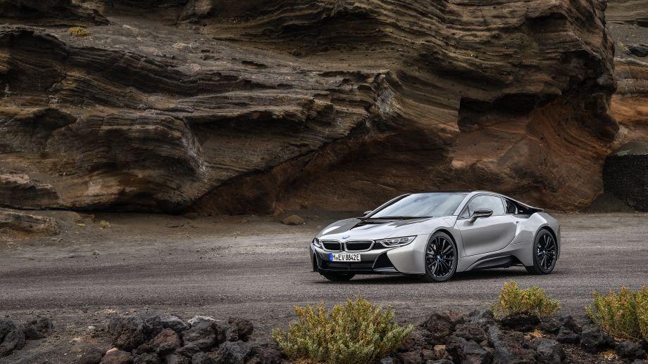 BMW i8 Coupé Facelift stehend