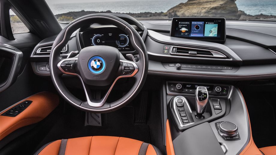 BMW i8 Coupé Facelift Cockpit