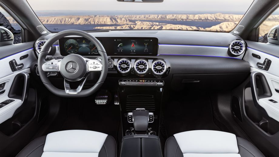 Mercedes-Benz A-Klasse widescreen interieur
