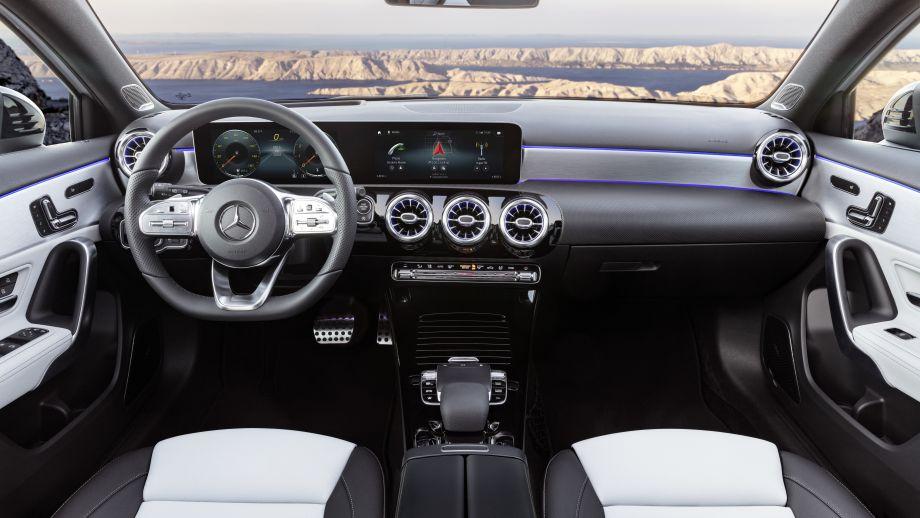Mercedes-Benz A-Klasse widescreen interieur