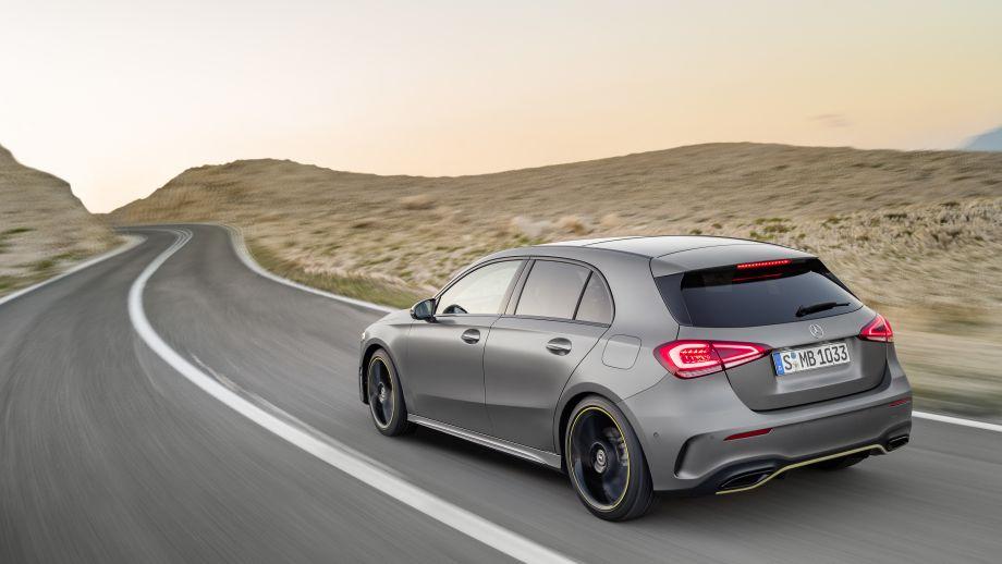 Mercedes-Benz A-Klasse designo mountaingrau magno Heck