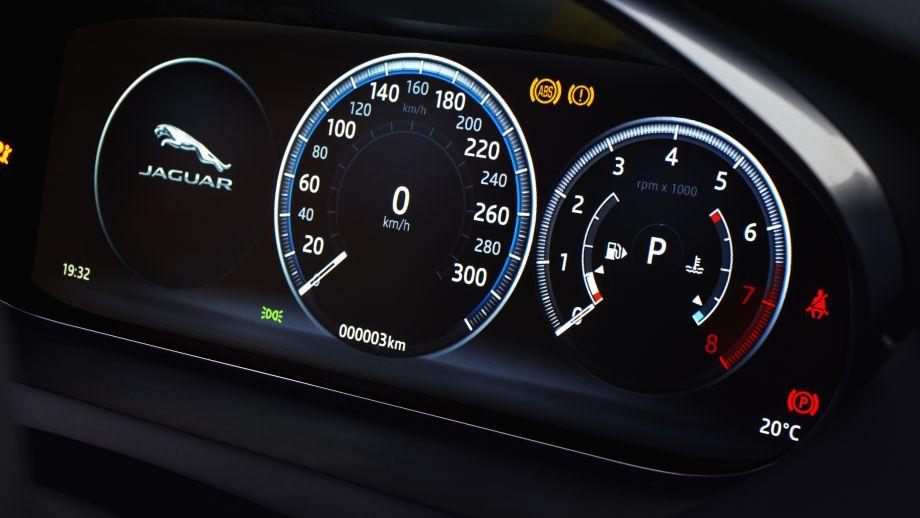 Jaguar E-Pace SUV 2018 Caesium Blue Tacho
