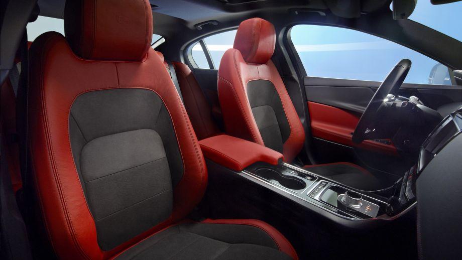 Jaguar XE S Limousine Sitze