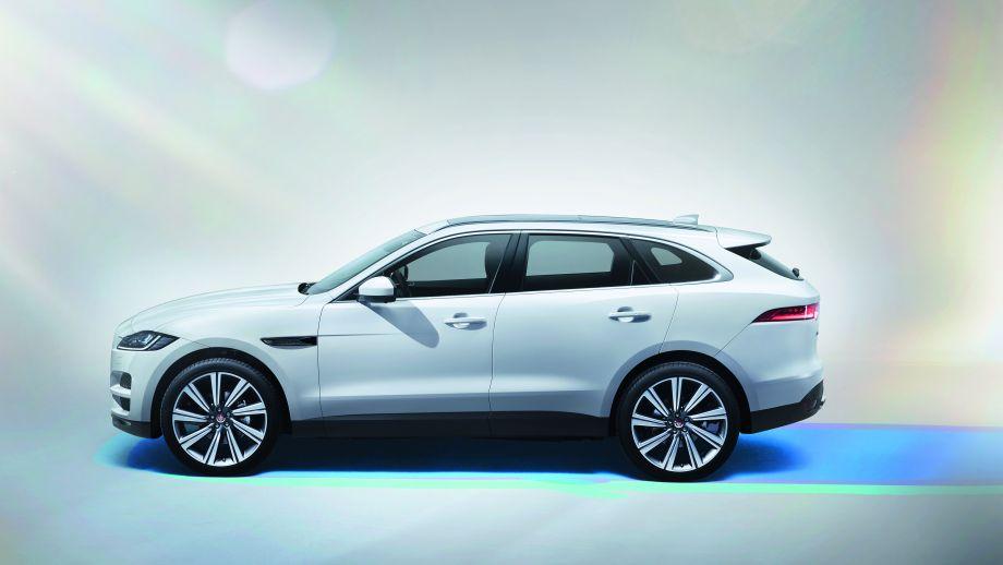 Jaguar F-Pace weiss Seite