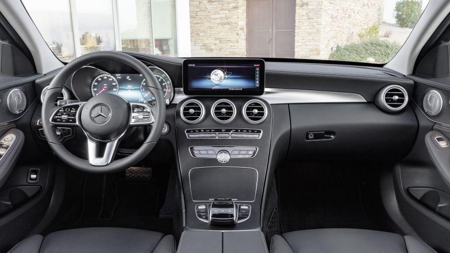 Mercedes-Benz C-Klasse Limousine Facelift 2018 Cockpit