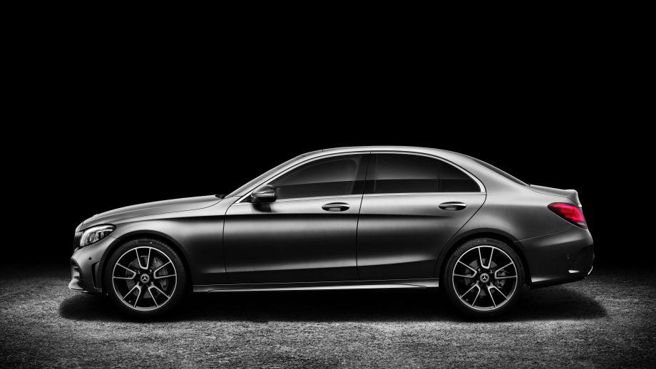 Mercedes-Benz C-Klasse Limousine Facelift 2018 Studio Seite