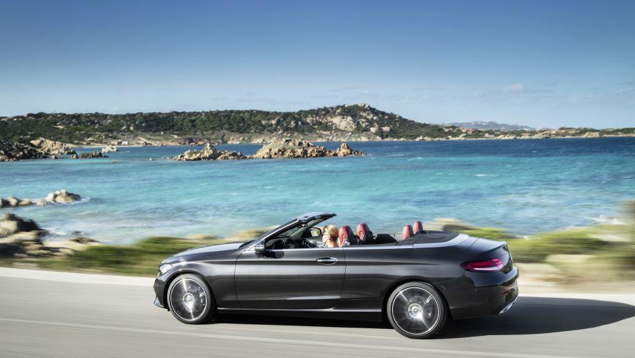 Mercedes-Benz C-Klasse Cabriolet Facelift 2018 fahrend