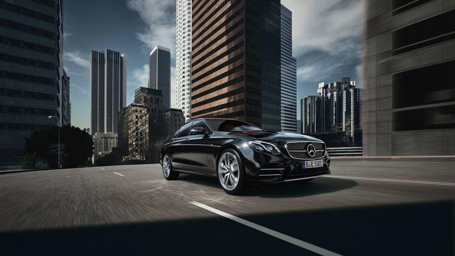 Mercedes-AMG E53 4MATIC+ Limousine Front
