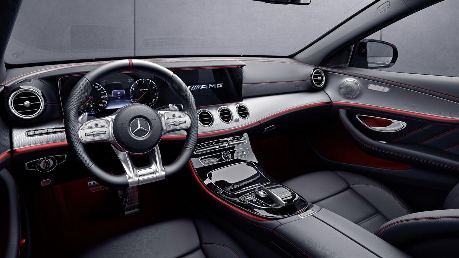 Mercedes-AMG E53 4MATIC+ T-Modell Kombi Cockpit