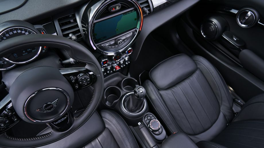 Mini 5 Door Cooper S Facelift 2015 Interieur