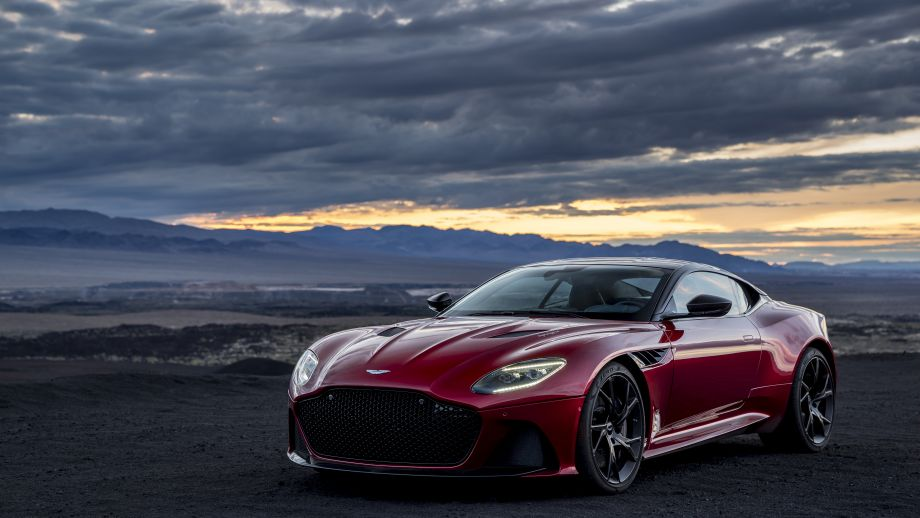Aston Martin DBS Superleggera Night