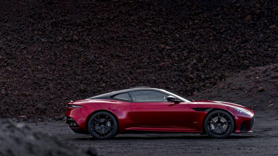 Aston Martin DBS Superleggera Seite
