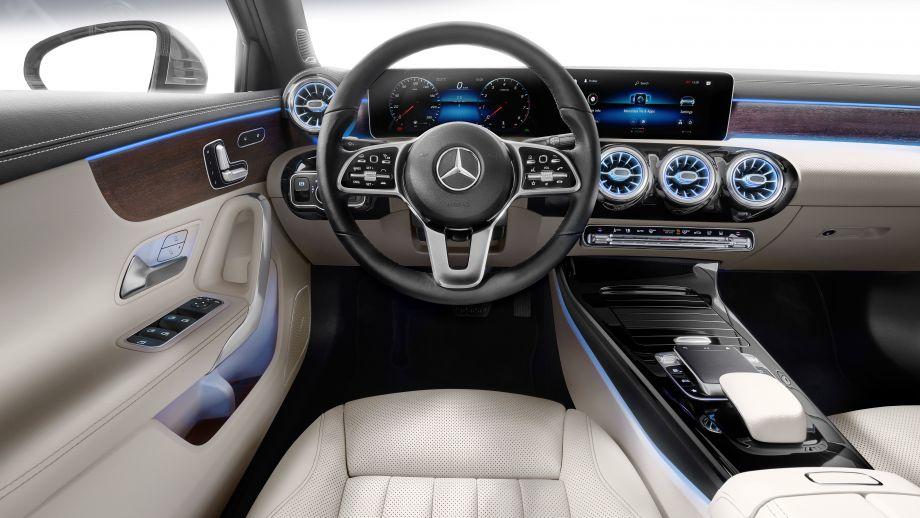 Mercedes-Benz A-Klasse Limousine A250 Interieur