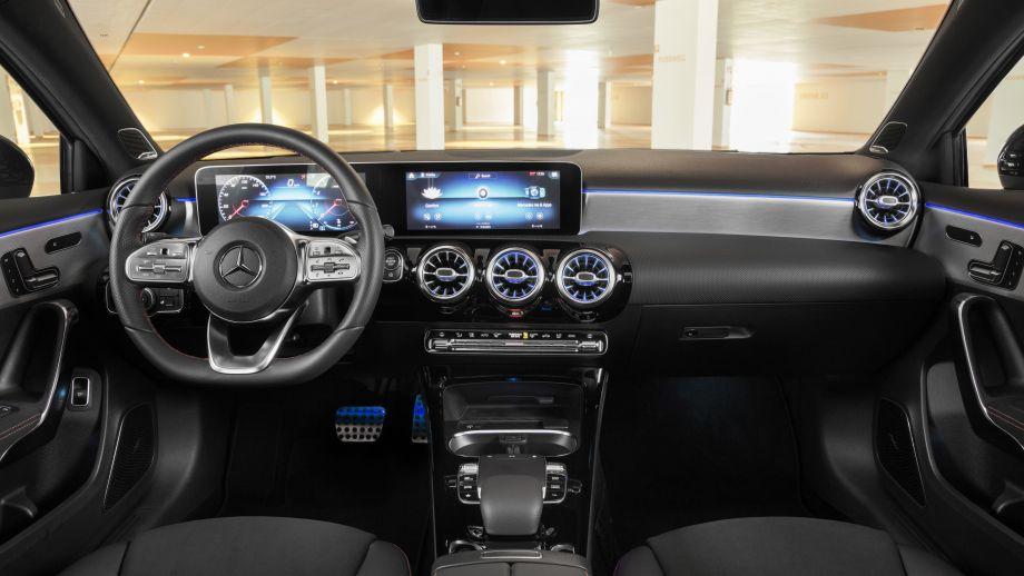 Mercedes-Benz A-Klasse Limousine A250 MBUX