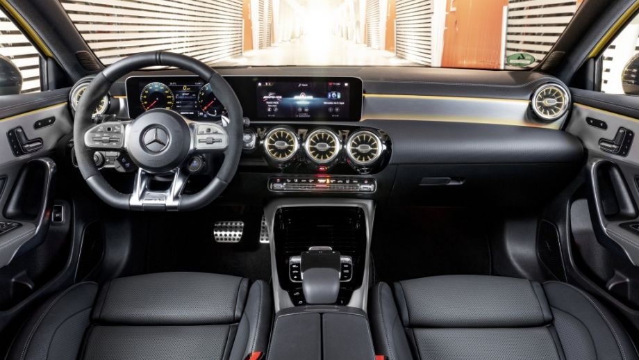 Mercedes-AMG A35 4MATIC Interieur MBUX