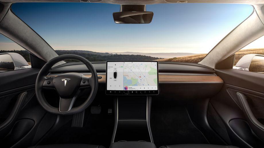 Tesla Model 3 Schweiz Touscreen