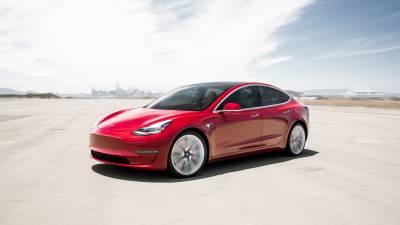 Tesla Model 3<br/>Limousine